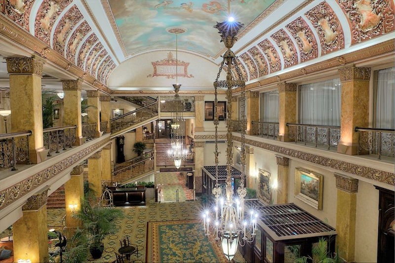 Pfister Hotel