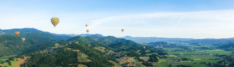 Hot air balloon over Napa | Flickr CC: Noodles and Beef