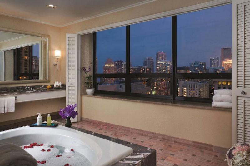 Ritz-Carlton, Chicago